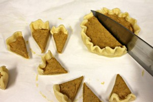 Crimp the edges and cut into 8 slices